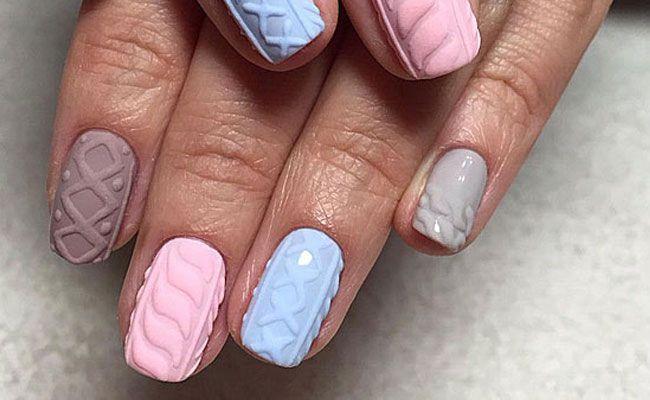 Рисунок на ногтях с пудрой