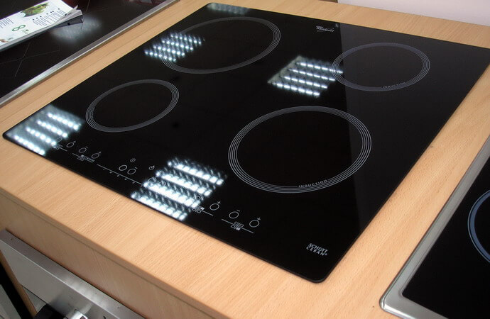 индукционная плита с сенсорным управлением